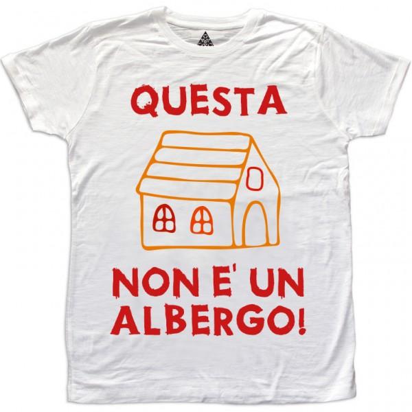 https://www.trikecus.com/572-thickbox_default/t-shirt-uomo-questa-casa-non-e-un-albergo.jpg